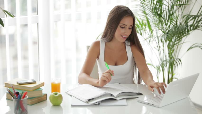 Статус девушка на работе работа онлайн янаул